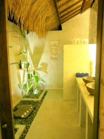 Bathroom by Night Villa Nangka Gili Air