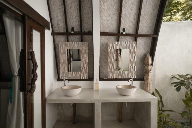 Spacious Semi Open Air Bathroom