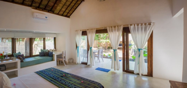 Spacious Bedroom with Beautiful Garden View Villa Nangka