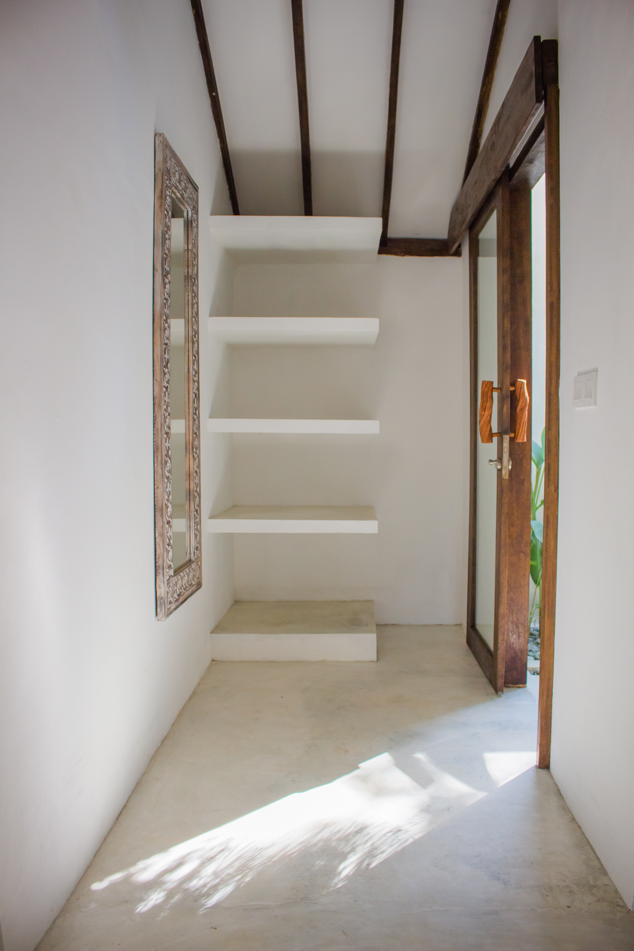 Walk in Closet Villa Nangka Gili Air