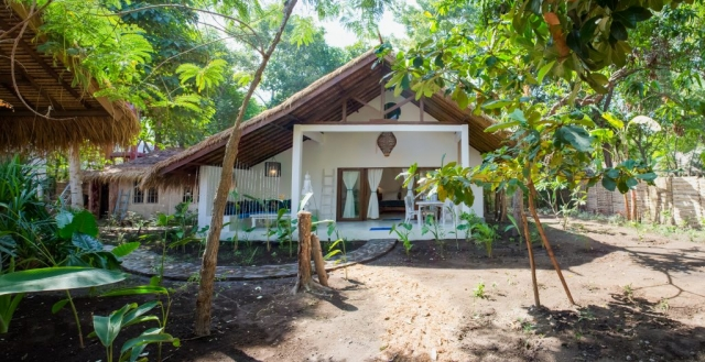 Enjoy your spacious tropical garden Villa Nangka