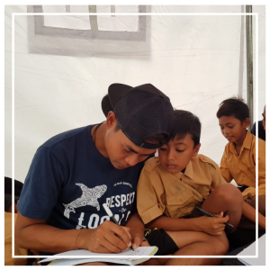 Free conservation classes for the children of the Gili Islands